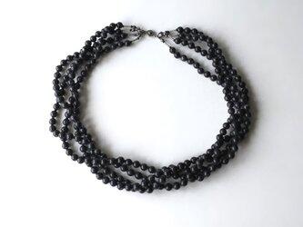 墨色の4連ネックレス【受注制作】/アクリルビーズの画像