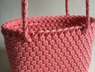 花結び編みのてさげかごの画像