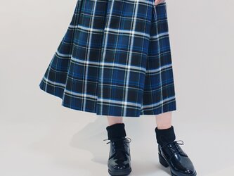 ★数量限定★年間OK! 濃紺×青×白 タータンチェック ポリレーヨン ロングスカート ●MIRRA●の画像