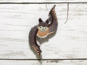 手刺繍浮世絵ブローチ*桜川慈悲成「七代目市川団十郎の暫」の蝙蝠の画像