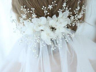 結婚式・ウエディング*小枝 ヘッドドレス フラワー ホワイト 白 ヘアアクセサリー ブライダル 卒業式 成人式 披露宴 二次会の画像