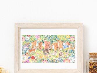 """絵のある暮らし。額装アートプリント """"みんなでおさんぽ、花咲く森で"""" FAPR-2L323の画像"""