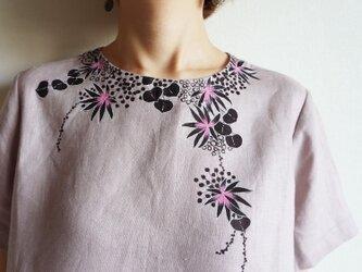 半袖ブラウス くすみピンク <海中植物>の画像