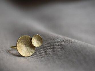 """真鍮の指輪 """"水面のロンド""""の画像"""