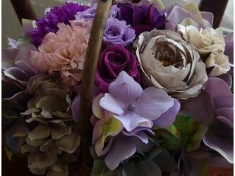 超お買い得SALE ‼2000円引‼パープルのかご花の画像