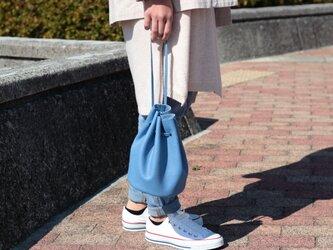 綺麗なシルエットの巾着バッグ ミニマム 本革 スカイブルー 空色ma-02ssの画像