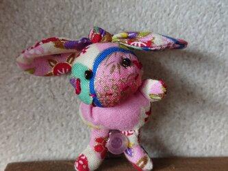 ウサギのぬいぐるみブローチ4の画像