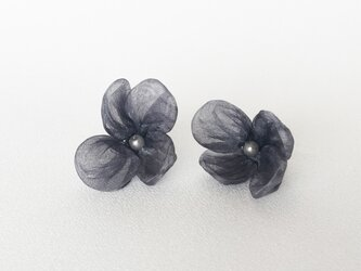 Quguriイヤリング「floret」の画像