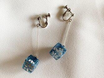 Quguriイヤリング「cube」 の画像