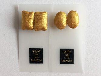 モード・楕円or長方形・ゴールド・ノンホールピアスの画像