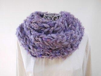 ふわふわスヌード(クリスマスイヴのレディパープル)紫・幅広毛糸とファー・アルパカ入りモヘヤの画像