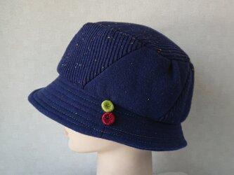 魅せる帽子☆カラーステッチとフラップが楽しい♪ハット~ネイビーの画像