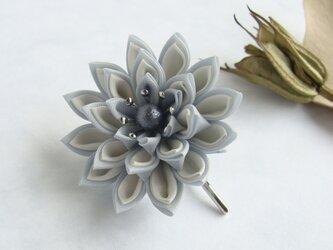 <送料無料>つまみ細工 お花のポニーフック 白の画像