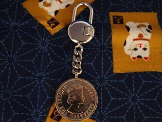 コイン・キーホルダー 香港旧1ドルの画像