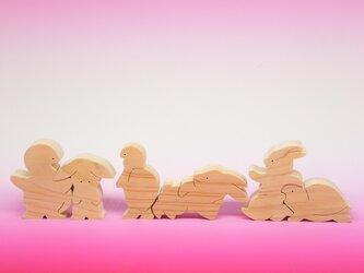 送料無料 ヒノキの組み木の物語 うさぎとかめの画像
