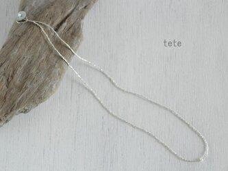 カレンビーズ+淡水パールのネックレスの画像