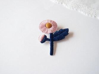 [受注制作]ハルジオンの刺繍ブローチ(pink)の画像