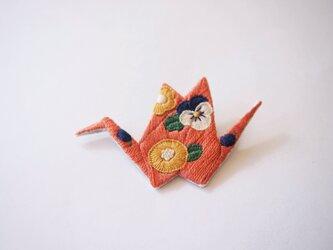 [受注制作]折り鶴の刺繍ブローチ(terracotta)の画像