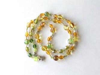 イチョウの色のネックレス /ガラスビーズの画像