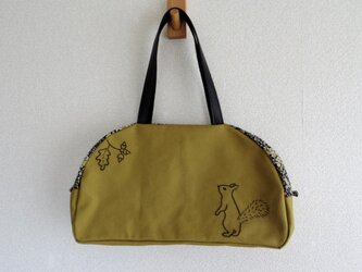 栗鼠と団栗(ボストンバッグ型)の画像