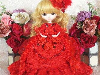 パッションレッドの王妃 マリーアントワネットのドラマチックドレスの画像