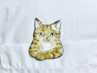 七宝 猫ブローチ お話しようよ。 茶トラの画像