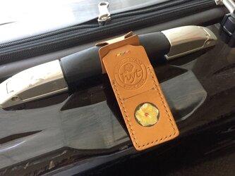 スーツケースが見つけやすい目印ネームタグ  キャメル トラベル革小物 ラッピング可の画像