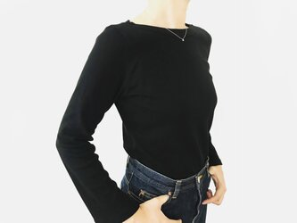 形にこだわった 大人のスリットスリーブ ボートネックTシャツ【サイズ・色展開有り】の画像