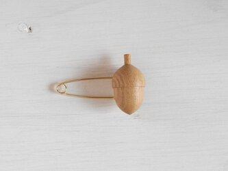木のストールピン acorn  ~シラカシ~の画像