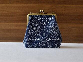 藍染×型染がま口(唐草牡丹)ショルダー用紐付きの画像