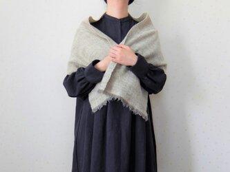 手紡ぎ・手織り アイボリーのヘリンボーン柄ミニストールの画像