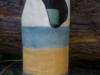 ペットボトル入れ、草木染めの画像