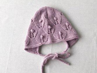 6M〜 手編み お花のベビーボンネット ラベンダー ウール100%の画像