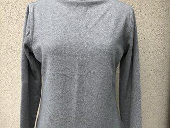 ハイネックTシャツの画像