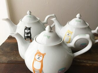 【再販】柴犬 クラシックティーポット 3色 ★ 紅茶 ハーブ 白磁 ポット 700mlの画像