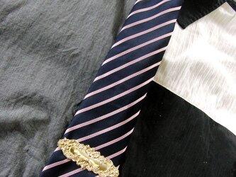 真鍮ブラス製 レトロゴシックデザインネクタイピン(タイバー)1個 ネクタイ・ポケットの飾りにの画像