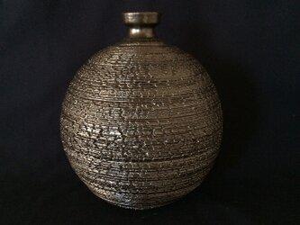 黒釉裂紋花器1の画像