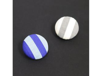 2色から選ぶ[ブローチ&クリップ]ストライプ/B−5_M_BL&gyの画像