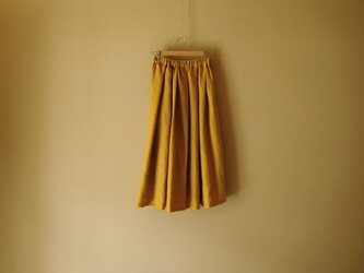 リネンのスカート マスタードの画像