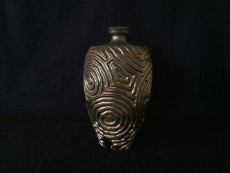 黒金彩鎬肩衝三脚花器1年輪の画像