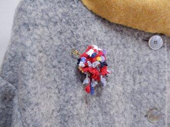 AVRIL 小花ストールピンの画像