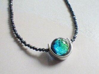 *sv925*ケラマブルー ホタルガラスのブラックスピネルネックレスの画像