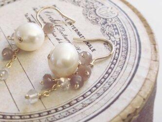 pearl*brown moonstone*pierceの画像