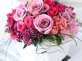 magnifique (マニフィーク) プリザーブドフラワー ピンク 結婚祝い・開店祝い・新築祝いの画像