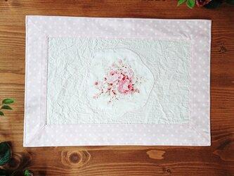 薔薇のアップリケ♪プレイスマット 生成りの画像