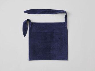 レザータイショルダーバッグ washable tie shoulder bag | navyの画像