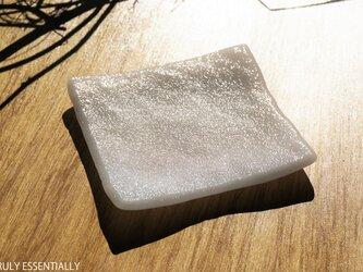 純白ガラスの器 -「 KAZEの肌 」● 12cm・絹目調の画像