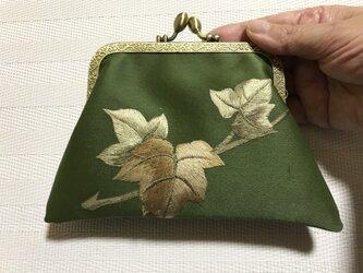 がまぐち・角型  抹茶色 ぶどうの葉 刺繍帯地の画像
