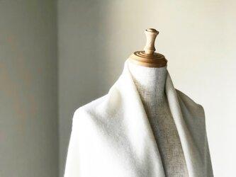 純カシミヤのふわふわショールマフラー Whiteの画像