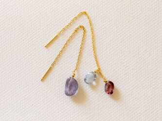 sapphire long pierceの画像